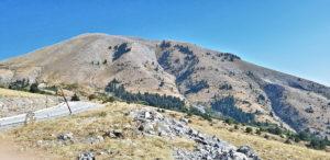 """Blick auf den Gipfel, unterwegs auf der """"Hüttenpiste"""" (Spilia)"""